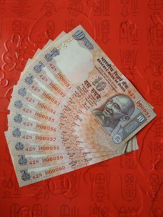 10 PCS INDIA 10 RUPEES GOLDEN LOW S/N 42N 000051-60 RUN UNC