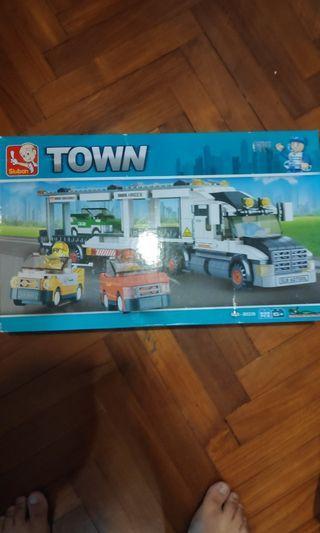 Sluban Town BIG Car Carrier with racing cars