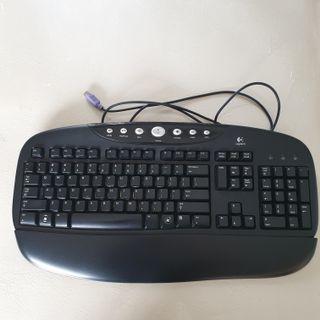 🚚 Logitech Keyboard
