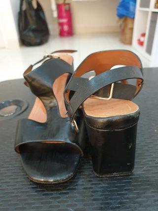 Sepatu wedges bellissimo