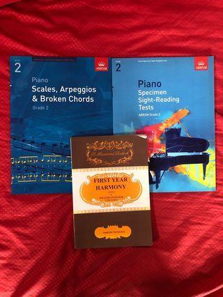 🚚 Music textbooks
