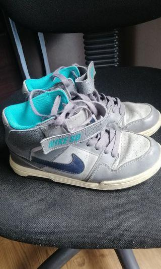Nike Shoes and Sandals for Sale!