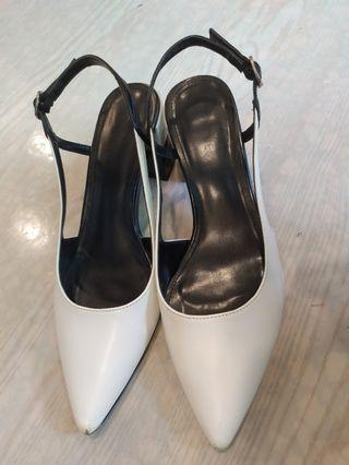 DAPHNE 白黑高跟鞋