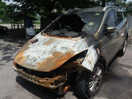 Ford Kuga Scrap Burnt