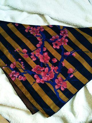 Hijab segiempat printing