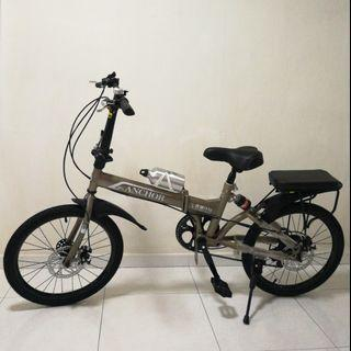 """Brand New Foldable Bicycle 20"""" Shimano Adjustible Gears in 7 Speeds! Folding Bike Comes with accessories."""
