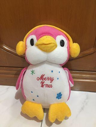 Boneka Penguin pink