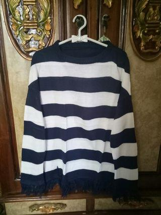 Sweater strip navy,berbahan rajut