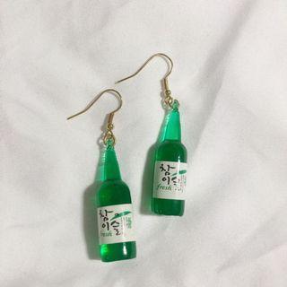酒瓶造型耳環