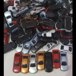 Miniatur mobil 1:100 untuk maket