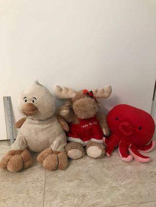 🚚 Assorted rare soft toys from overseas