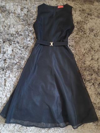 Dress Hitam Simple, Little Black Dress