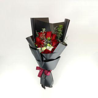 🚚 Perfect Ten Rose Bouquet | Graduation | Gifts