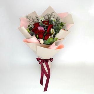 🚚 Six Love Rose Bouquet | Mum's | Gifts