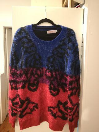 Boohoo fuzzy jumper size m/l #swapAU