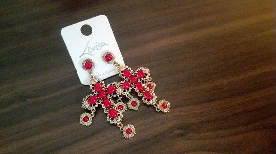 🚚 Gorgeous red earrings Lovisa new