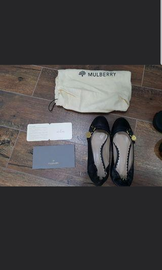 🚚 Mulberry Flats in Black