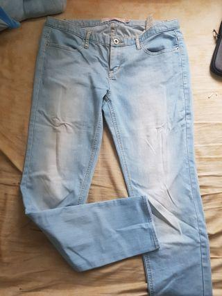 giordano light wash denim jeans