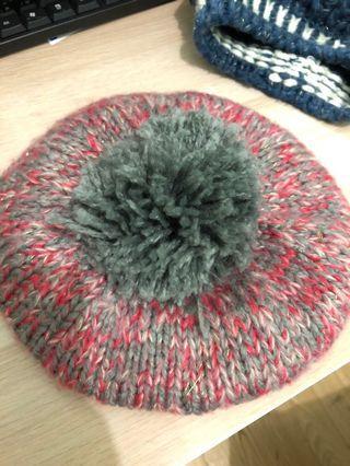 🚚 粉灰色毛帽