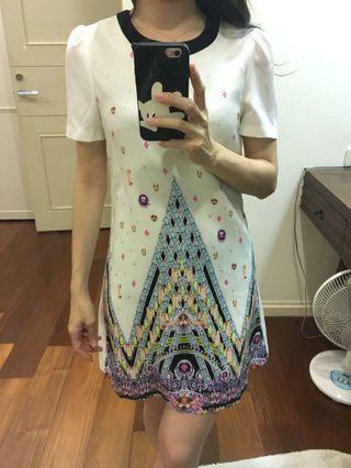 🚚 圖騰洋裝