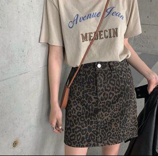 🚚 牛仔豹紋短裙