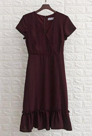 Laura Wrap Front Dress in Maroon