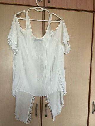 🚚 White cold shoulder (back is longer)