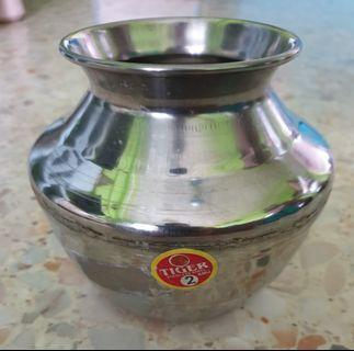 Stainless steel pot 1.2 Litres