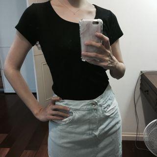 🚚 黑色短袖T恤上衣