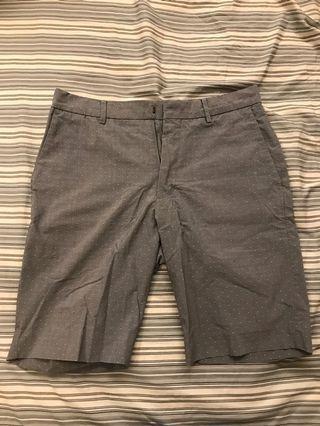 🚚 UNIQLO 男西裝短褲 S碼