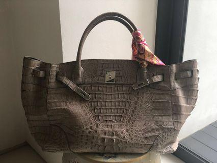 Genuine crocodile leather bag (beige)