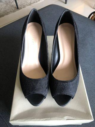 [NEW] VINCCI BLACK LACE HEELS | Size 6 = EU37