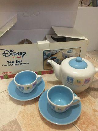 Disney tea set (1 tea pot, 2 cups, 2 saucers) 茶壼及茶杯套裝