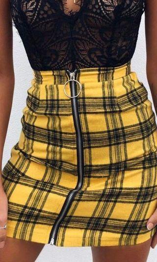 🚚 Yellow checkered skirt instock