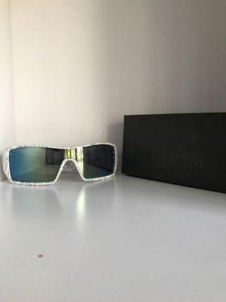 🚚 oakley sunglasses