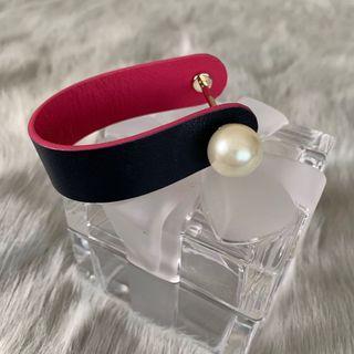 🚚 Dior Pearl Leather Cuff Bracelet