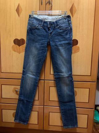 (#4)Levi's low rise skinny jeans ( size 25 )