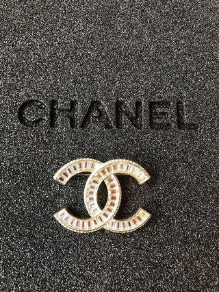🚚 ✨Authentic Chanel Crystal Diamond Brooch Large✨