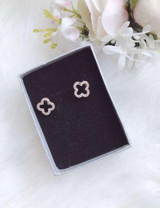 ( Korea ) Rose Gold Sparkling Cubic Zirconia Clover Ear Studs Earrings - New