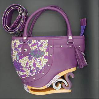 🚚 BRAND NEW Exotic Handmade Indonesian Handbags (only one piece available per design)