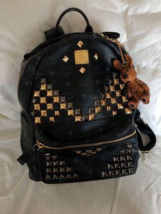 MCM 背包