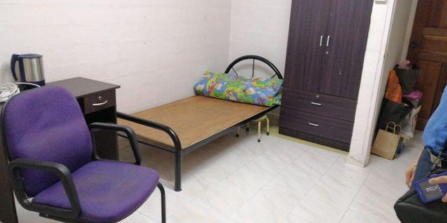 Circuit rd Blk 85 master room for rent