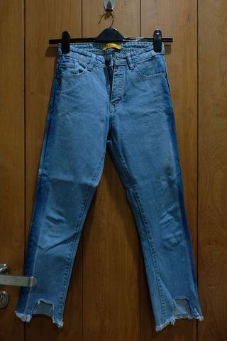high-waisted ankle cut mom jeans