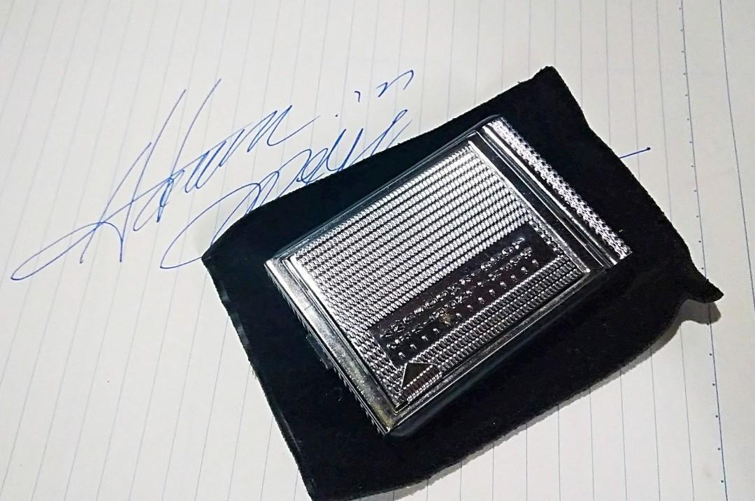 """罕有小品1977年Made in Hong Kong 香港文具山寨廠出品""""小型 不銹鋼花紋小型迷你電話簿仔"""" 塵封41年以上文具物品,保存至今""""合懷舊收藏迷收藏."""