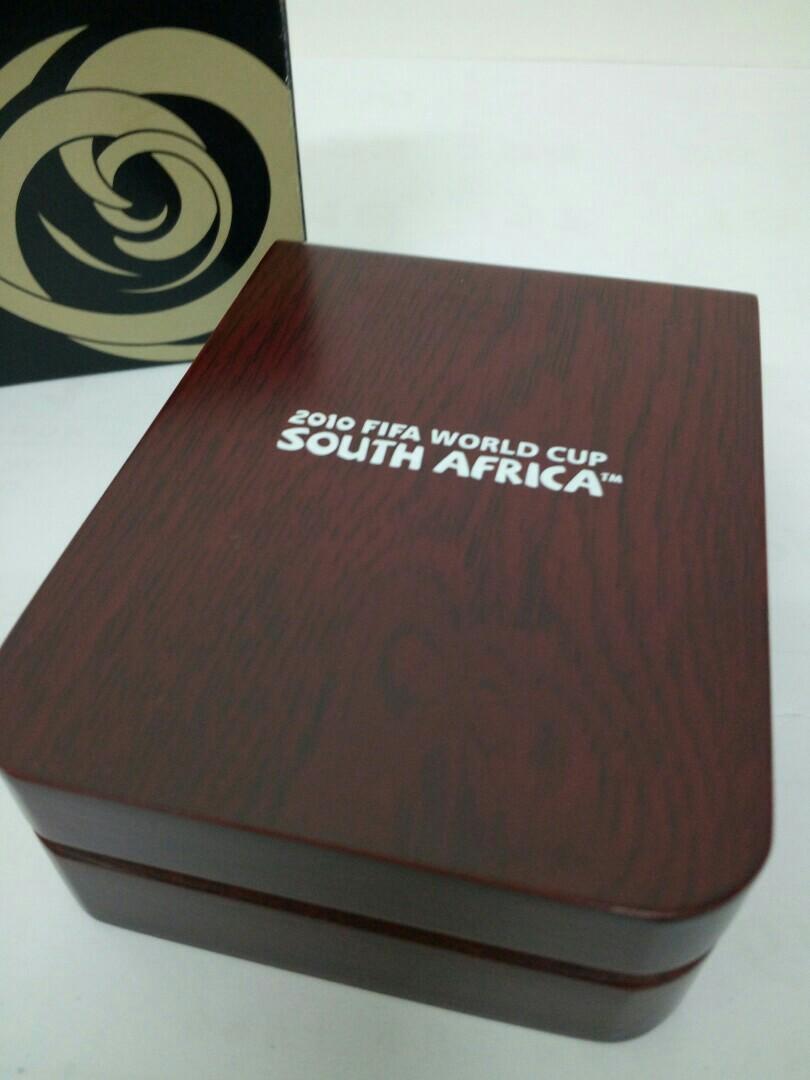 2010年 FIFA南非世界盃記念版打火機