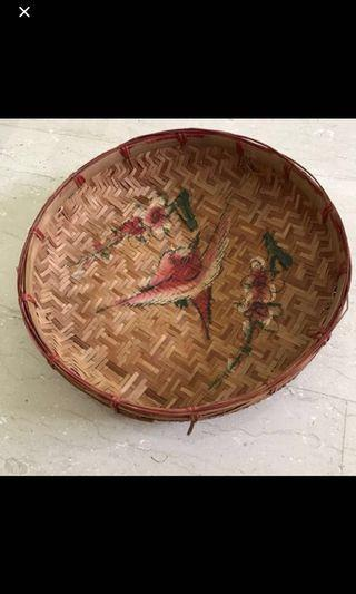 🚚 Antique Round bamboo tray