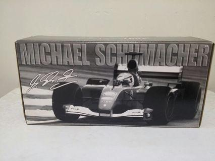 Hot Wheels 1/18 Scale Diecast - HWCASE1 Ferrari F1 2001 Michael Schumacher