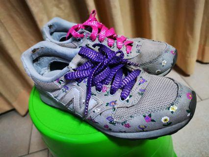 New Balance flowery grey sneakers