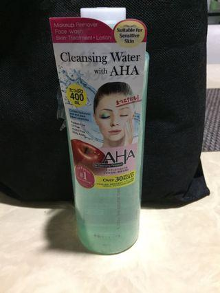 Cleansing water with AHA..paraben free, oil free, alcohol free, mildly acid..suitable for sensitive skin..Made in japan