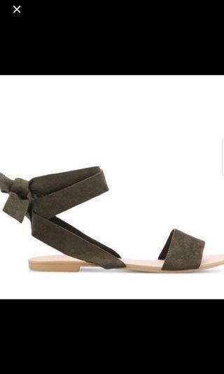 🚚 zalora sandals